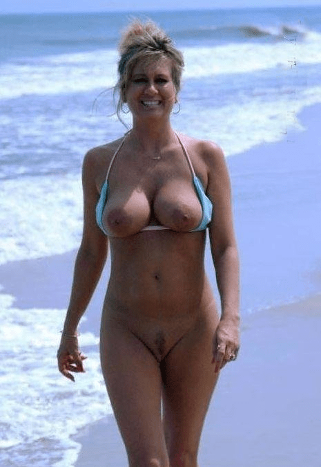 cartoon girls with breasts