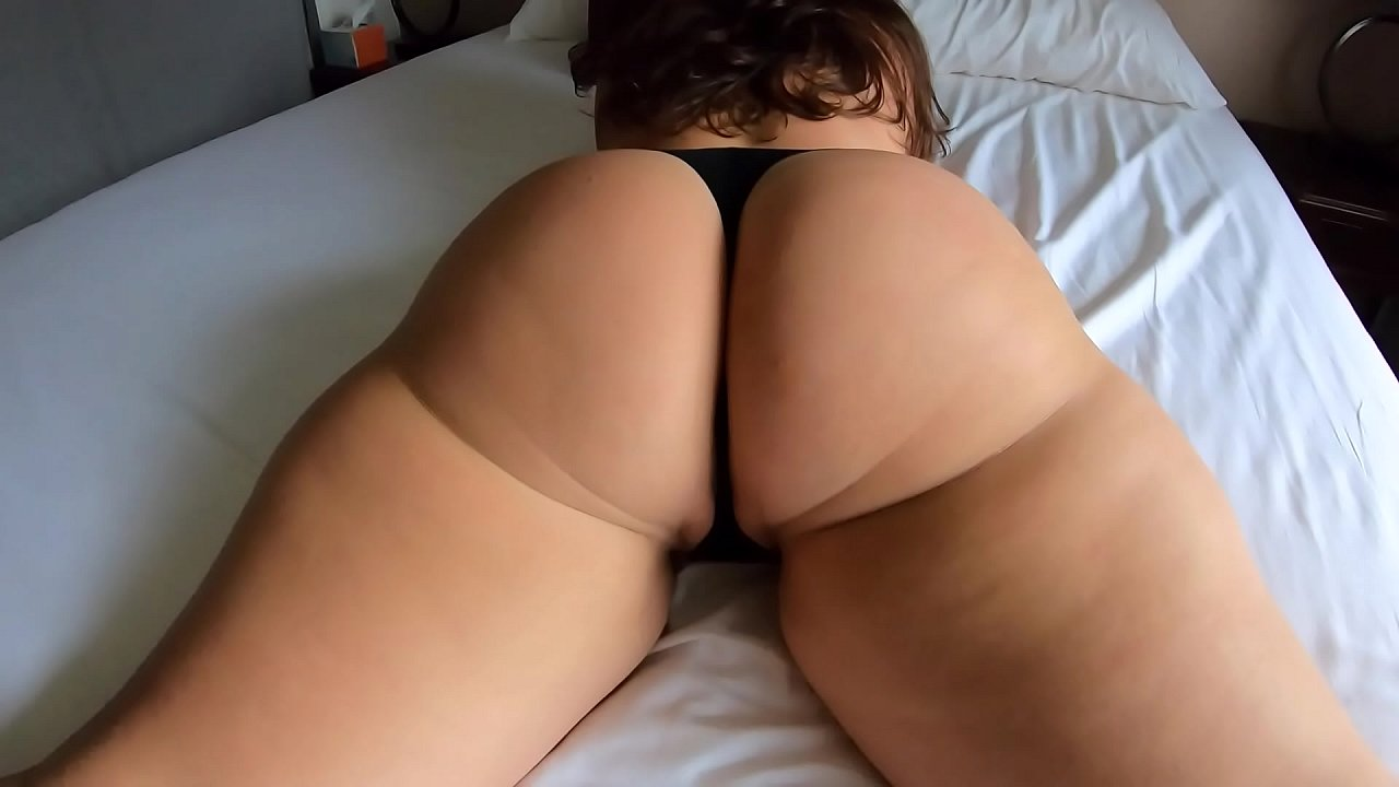 show the pictures of sexy mature woman